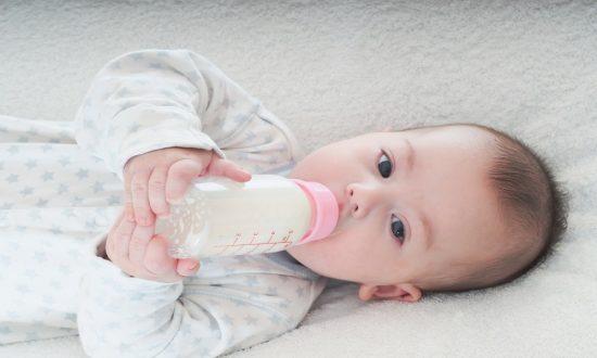 bệnh lây nhiếm qua đường mẹ cho con bú