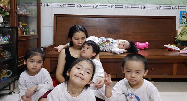 cuộc sống hiện tại của gia đình sinh 5 duy nhất ở việt nam giờ ra sao