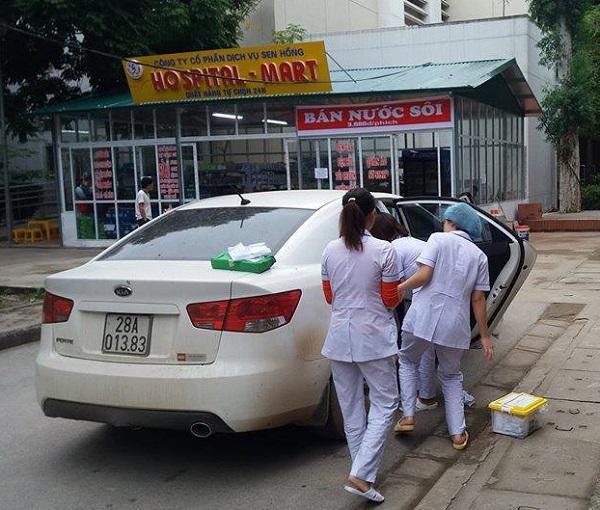 sản phụ huyết tật đẻ rơi trên taxi và điều kỳ diệu đã xảy ra