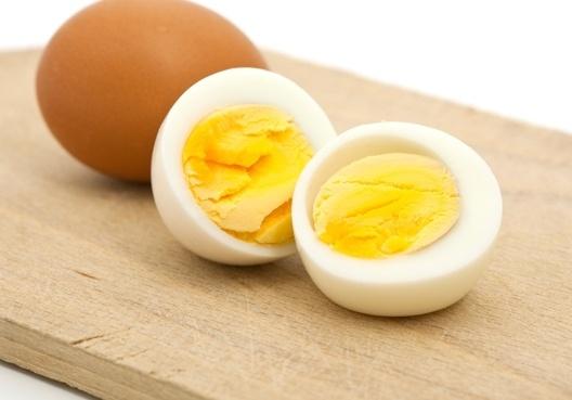 trứng gà có thể khiến bé nguy kich