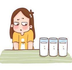 Mẹ nên kiểm soát lượng nước uống vào để cho thai kỳ khỏe mạnh