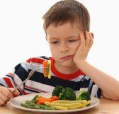 trẻ bị suy dinh dưỡng