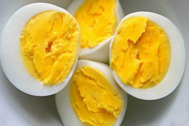 Trẻ ăn trứng tốt cho dinh dưỡng, giúp bé thông minh và cao hơn