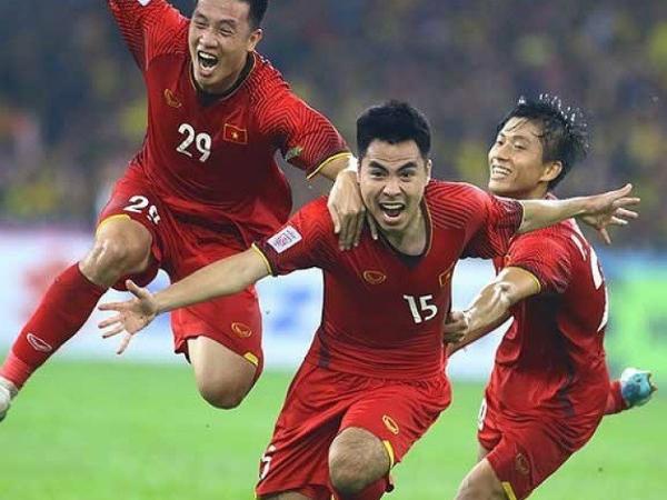 """Báo Thái: """"Hãy học hỏi chính bóng đá Việt Nam"""""""
