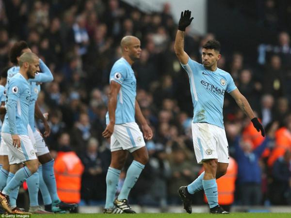 Man City lập kỷ lục ghi bàn mới với một đội bóng Anh