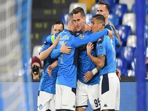 Napoli giành vé vào vòng knock-out Champions League