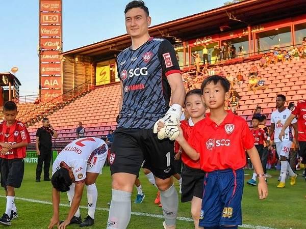 Văn Lâm cùng Muangthong United thất bại bất ngờ ở trận khai màn Thai-League